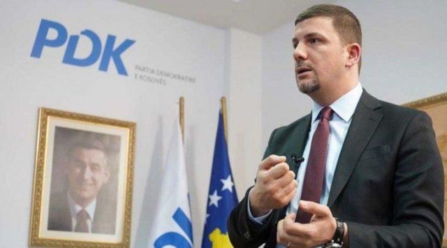 Krasniqi shpall fitoren e PDK-së: Fituam 5 komuna pa balotazh, 7 të tjera do i fitojmë në raundin e dytë