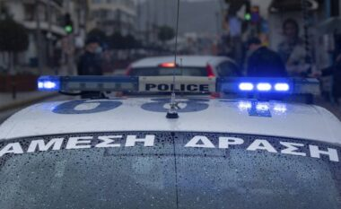 Atentat shqiptarit në Greqi! Qëllohet me plumb në kokë në kafene