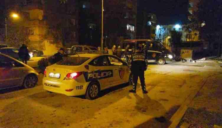 Nipi vrau xhaxhin e tij e më pas qëlloi edhe mbi veten, zbardhet krimi në Vlorë