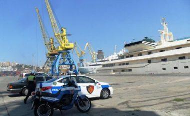 Do kalonin kufirin me viza turistike të falsifikuara, arrestohen 4 të huaj në Portin e Durrësit