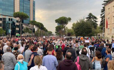Rritja e çmimeve: 4 kërkesat e qytetarëve në protestën para Kryeministrisë