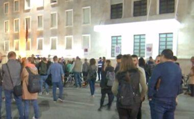 Protesta e rrijes së çmimeve, qytetarja: U ngjajmë europianëve për skandale, por aspak për mirëqenie