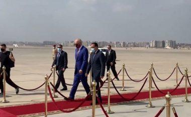Vizitoi Egjiptin, momenti i ceremonisë së pritjes së Ramës (VIDEO)