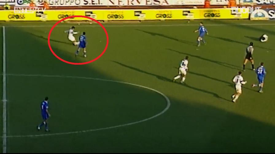 Rikujtim në kohë, kur Recoba realizoi këtë gol të pabesueshëm (VIDEO)