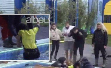 Momenti epik, Sabiani kap nga flokët Sheilën dhe bëhet viral në rrjet (VIDEO)