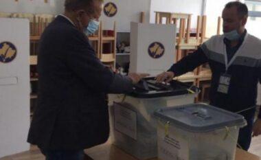 Zgjedhjet në Kosovë, voton Behgjet Pacolli