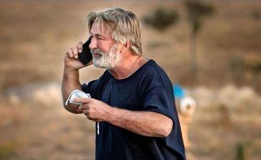 Tragjedi në sheshxhirim, aktori i Hollivudit vret drejtoreshën e fotografisë dhe plagos regjisorin