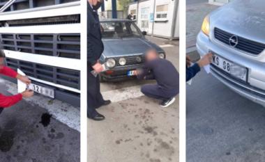 Policia: Marrëveshja për vendosjen e targave po zbatohet në të gjitha pikat kufitare (FOTO LAJM)