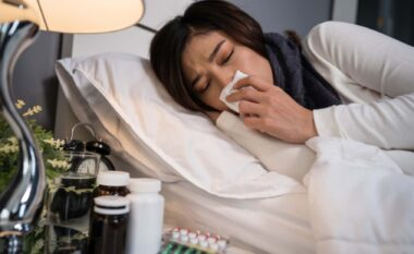 A është e mundur të teshtijmë në gjumë? Po dhe ja si ndodh