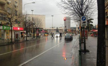 Shi dhe ulje temperaturash, çfarë ndodh me motin këtë të shtunë (FOTO LAJM)