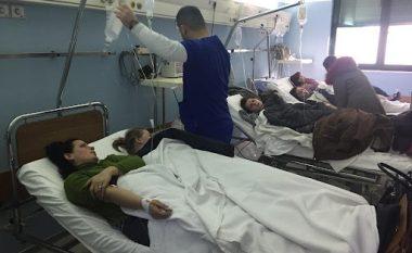 Helmimi në Krujë merr përmasa të frikshme: Nuk ka më vende spitali, 170 qytetarë kërkojnë ndihmë mjekësore